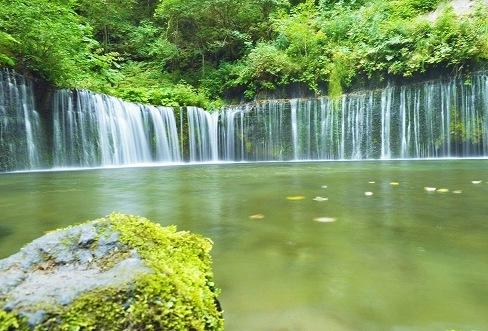 軽井沢 白糸の滝の画像です